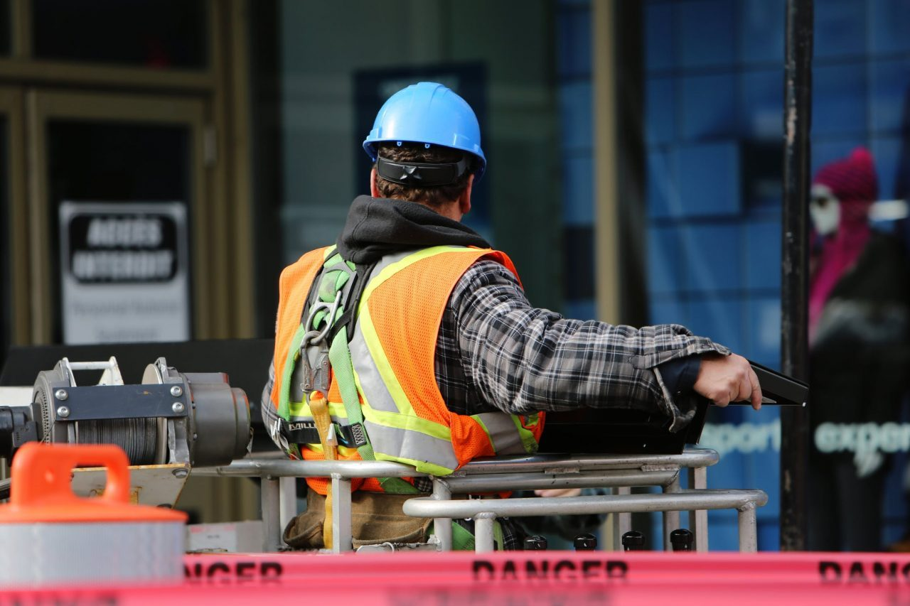 construction-worker-1280x853.jpg