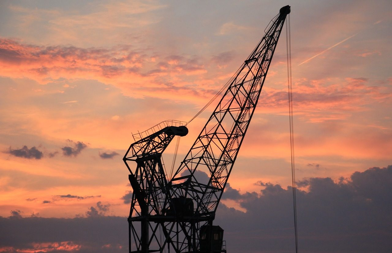 harbour-crane-1643476_1280.jpg