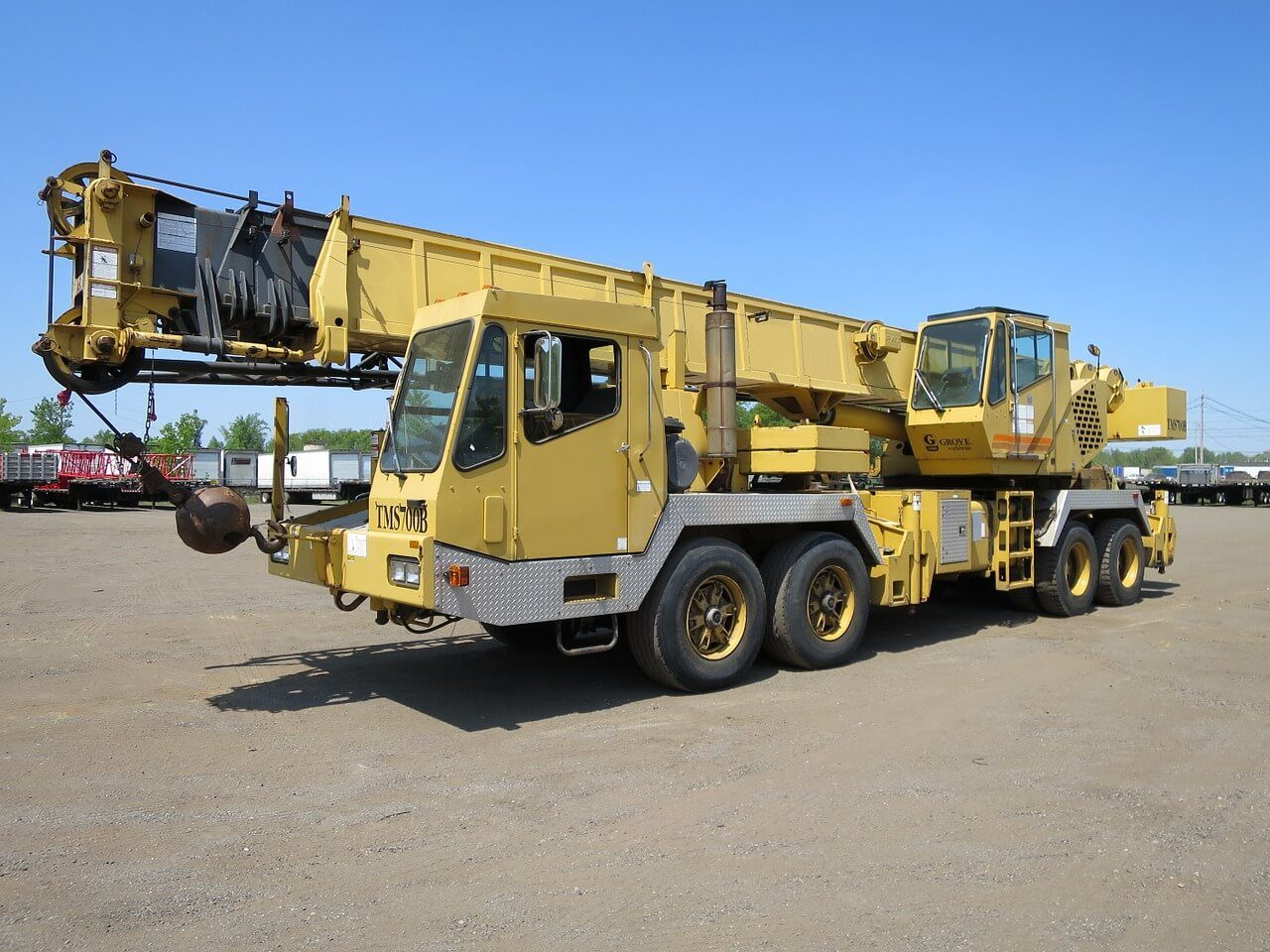 crane-1126061_1280-1.jpg